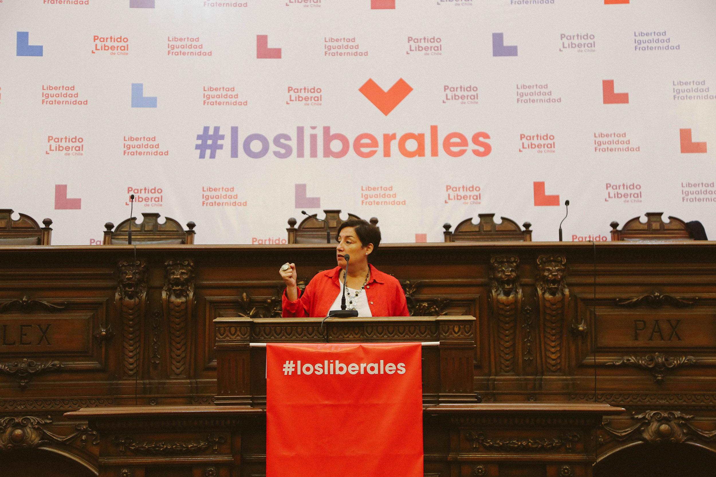 Partido Liberal define apoyar a Beatriz Sánchez como candidata presidencial